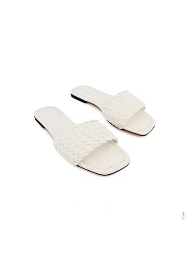 Letoon Terlik Beyaz